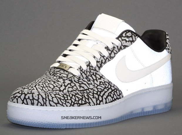 Womens White Nike Air Force 1 Trainers Unboxing March 2015