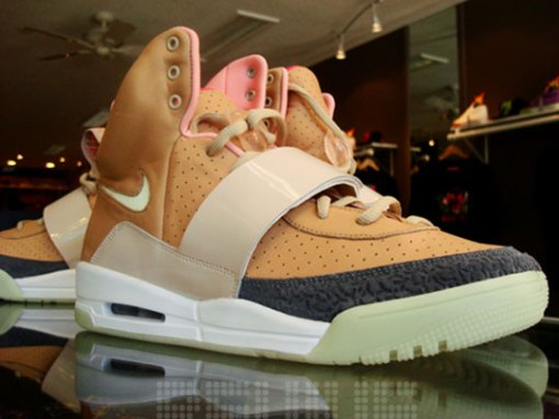 nike-air-yeezy-net-net-1